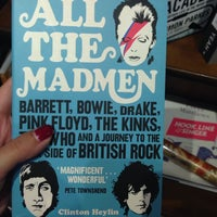 Das Foto wurde bei West End Lane Books von Camila S. am 6/1/2014 aufgenommen
