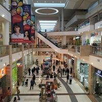 Westfield Santa Anita Shopping Centre, store listings, mall map, hours, hotels, comment forum and more (Arcadia, CA).