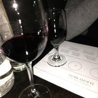 Foto scattata a Webster's Wine Bar da Jordan H. il 3/16/2013
