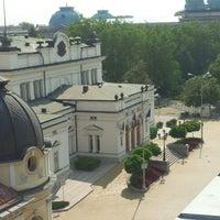 7/20/2013 tarihinde jassen i.ziyaretçi tarafından пл. Народно събрание (Narodno sabranie Sq.)'de çekilen fotoğraf