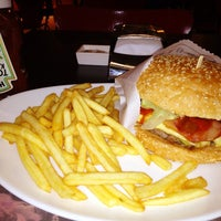 Photo taken at Eddie Fine Burgers by Heron M. on 6/17/2013