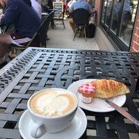 Das Foto wurde bei Caffè Nero von Haytham P. am 6/1/2017 aufgenommen