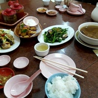 Photo taken at Xing Hua Vegetarian Restaurant by DAvid C. on 4/19/2015