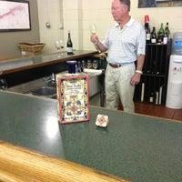 รูปภาพถ่ายที่ Woodland Hills Wine Company โดย Ernesto (Tequila Man) A. เมื่อ 9/4/2014