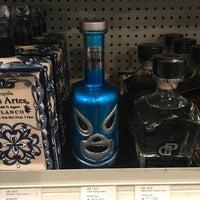 Das Foto wurde bei The Wine House von Ernesto (Tequila Man) A. am 11/30/2017 aufgenommen