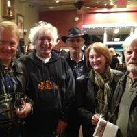 Photo prise au The Wine Den par Debra ELLEN H. le3/1/2013