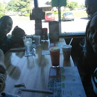 Photo taken at Applebee's Neighborhood Grill & Bar by Mari V. on 6/18/2014