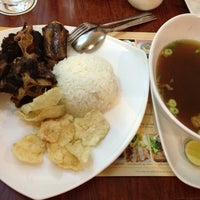 Photo taken at Sop Buntut Bogor Cafe by david dp on 10/30/2012