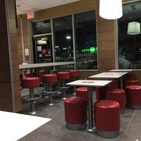 Foto diambil di McDonald's oleh Michael H. pada 2/7/2017