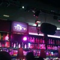 Foto tomada en Think Bar por Jorge V. el 12/22/2012