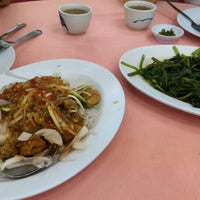 Photo taken at Restoran Kee Hiong Tian Tian Hao Tian 1688 by Andy S. on 7/24/2016