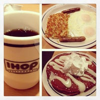 Photo taken at IHOP by Aki V. on 4/13/2013