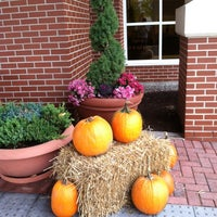 Photo taken at Hampton Inn Syracuse Clay by Sarah S. on 10/22/2014