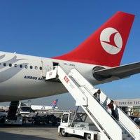 11/16/2013 tarihinde Mehmet Ç.ziyaretçi tarafından İstanbul Atatürk Havalimanı (IST)'de çekilen fotoğraf