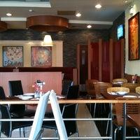 Photo taken at Pizza Hut by sok on 3/21/2014