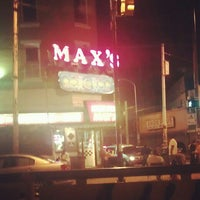 Photo taken at Max's Cheese Steaks by Latoya H. on 9/15/2012