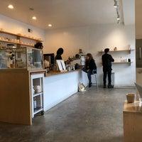 Снимок сделан в Maru Coffee пользователем Leonard L. 1/15/2018