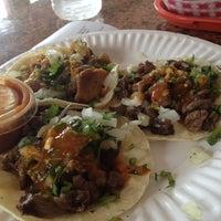 3/19/2013 tarihinde Leonard L.ziyaretçi tarafından El Sauz Tacos'de çekilen fotoğraf