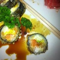 2/17/2013 tarihinde Jose R.ziyaretçi tarafından Kampai Sushi Bar'de çekilen fotoğraf