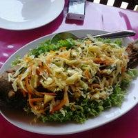 Photo taken at Restaurante Oasis - Fazendinha by Eduardo G. on 11/10/2012
