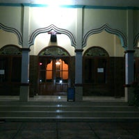 Photo taken at Masjid Jami' AL-HIDAYAH Sadang by Bhetz R. on 7/22/2013