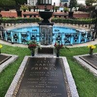 10/3/2018에 Leah H.님이 Elvis's Grave에서 찍은 사진
