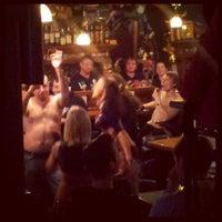 Снимок сделан в Mollie's Irish Pub пользователем Дмитрий Б. 3/17/2013