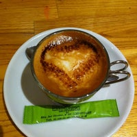 รูปภาพถ่ายที่ Cafè el Trifàssic โดย Paco M. เมื่อ 12/14/2012