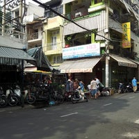 Photo taken at Nguyen Tri Phuong Market by Huu Dung N. on 4/27/2013
