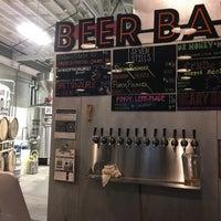 Foto scattata a Seven Stills Brewery & Distillery da R N. il 8/25/2017