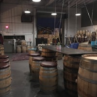 Foto scattata a Seven Stills Brewery & Distillery da R N. il 8/23/2017