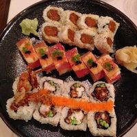 Photo prise au Taka Sushi par Angela S. le5/31/2013
