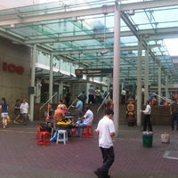 Photo taken at Chinatown Complex Market & Food Centre by Ahmad S. on 12/20/2012