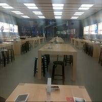 Foto scattata a Apple Centro Sicilia da Giuseppe T. il 12/27/2012