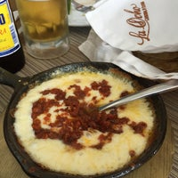 Foto tirada no(a) La Ocho Restaurante por Mariano R. em 2/19/2015