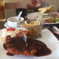 Photo taken at LeBOSS Restaurant by liyanana on 8/3/2017