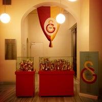 2/20/2013 tarihinde Cenkal K.ziyaretçi tarafından Galatasaray Müzesi'de çekilen fotoğraf