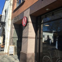 Photo taken at lululemon athletica by Søren Thinggaard H. on 3/2/2017