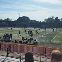 Das Foto wurde bei Franklin K. Lane High School von Denise R. am 9/28/2014 aufgenommen