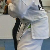 Foto tomada en ATA Karate por Frank L. el 7/15/2014