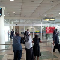 Photo taken at Arrival Hall by Kamil M. on 5/19/2013