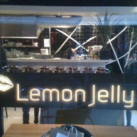 Снимок сделан в Lemon Jelly Café пользователем Nailia B. 9/14/2012