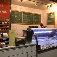 Photo prise au Jeni's Splendid Ice Creams par Marissa G. le3/14/2018