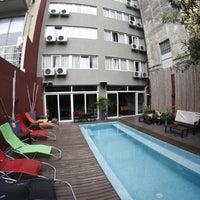 Foto tomada en Circus Hostel & Hotel por Mauricio A. el 12/19/2012