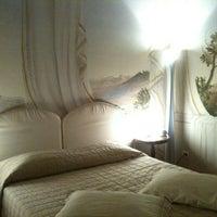 Foto scattata a Alla Corte Degli Angeli Maison De Charme Hotel Lucca da Caterina B. il 7/18/2013