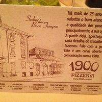 Foto tirada no(a) 1900 Pizzeria por Vanessa C. em 12/21/2012