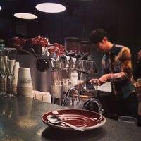 Das Foto wurde bei The Roastery by Nozy Coffee von つか な. am 1/29/2014 aufgenommen
