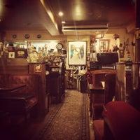 Das Foto wurde bei Cafe Arles von つか な. am 12/25/2012 aufgenommen