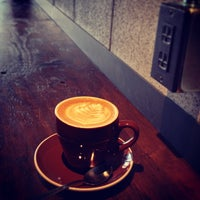 Das Foto wurde bei The Roastery by Nozy Coffee von つか な. am 10/12/2013 aufgenommen