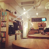 Photo taken at MAKERS COFFEE by つか な. on 7/25/2013
